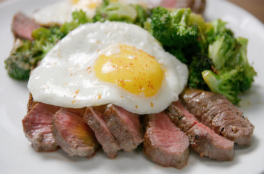 sirloin cooked from frozen with broccoli and eggs